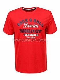 Червона футболка чоловіча