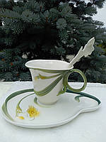 Эксклюзивная чашка для чая с блюдцем.