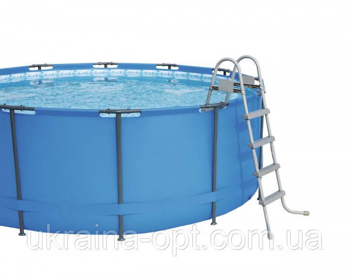 Лестница 122 см для каркасных и надувных бассейновМатериал: металл, пластик.Bestway 58336