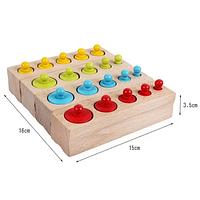 Цветные цилиндры ( гирьки, бочонки) по методике Монтессори.