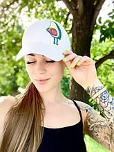 Белая женская бейсболка принт авокадо