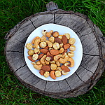 Ассорти жареных орехов (миндаль, кешью, фундук)
