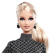 Коллекционная кукла Барби Шоппинг в городе Barbie City Shopper Doll with Grey Dress, фото 2