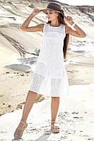 Літнє жіноче плаття-сарафан з прошвы. По коліно, вільний, без рукавів. Біле