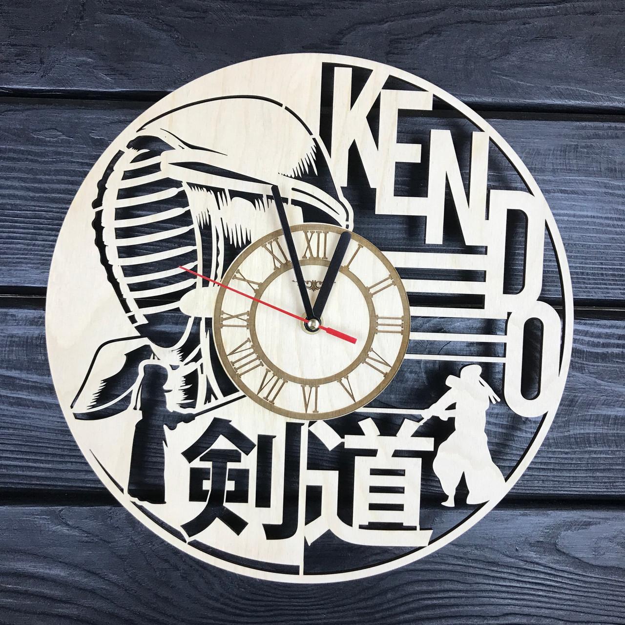 Тематические деревянные часы на стену «Кэндо»