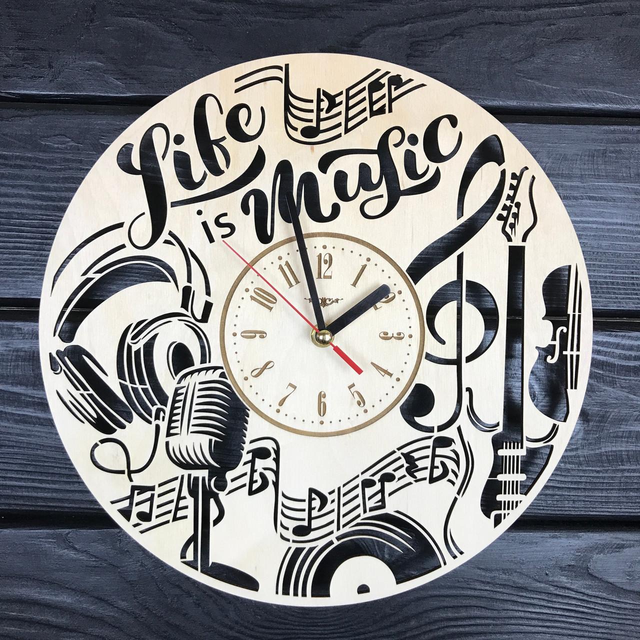 Круглые настенные часы из дерева «Музыка»