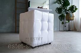 Квадратный пуф для клиента, пуф к туалетному столику