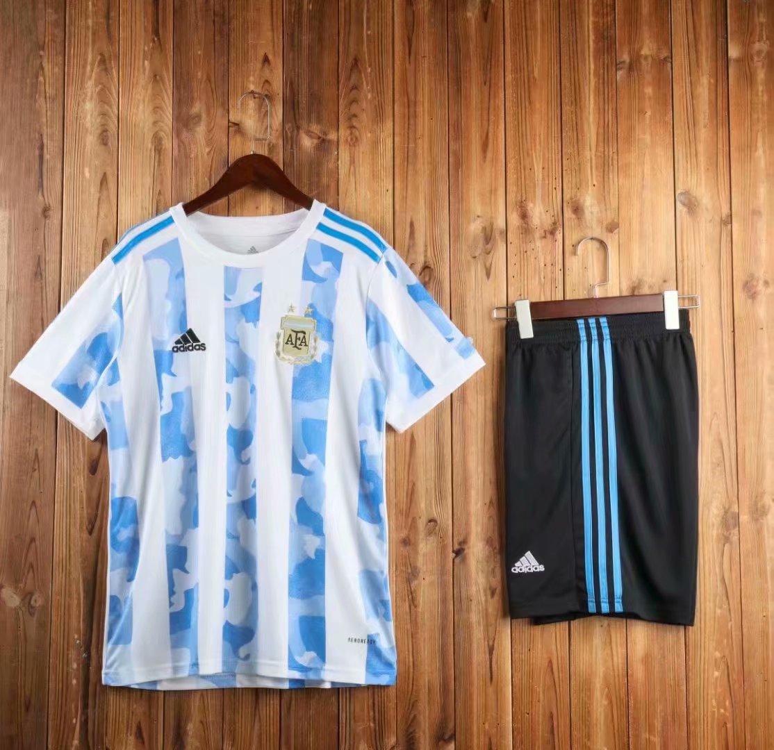 Футбольная форма сборной Аргентины, домашняя 2020-21