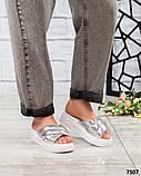 Босоножки - шлепки кожаные серебристые, фото 3