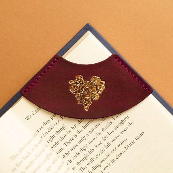 """Закладка для книги из натуральной кожи """"Сердце"""""""