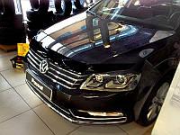 Дефлектор капоту (мухобійка) Volkswagen PASSAT В7, SD, WG, 11-, темний