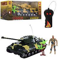 Танк AKX523A р/у,25 см, фигурка 9 см, рез. колеса, 2 цвета, на бат-ке, в кор-ке 28-13-12 см