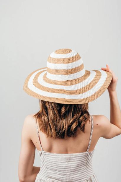 Шляпка широкополая Флоренс полосатая капучино-белый цвет