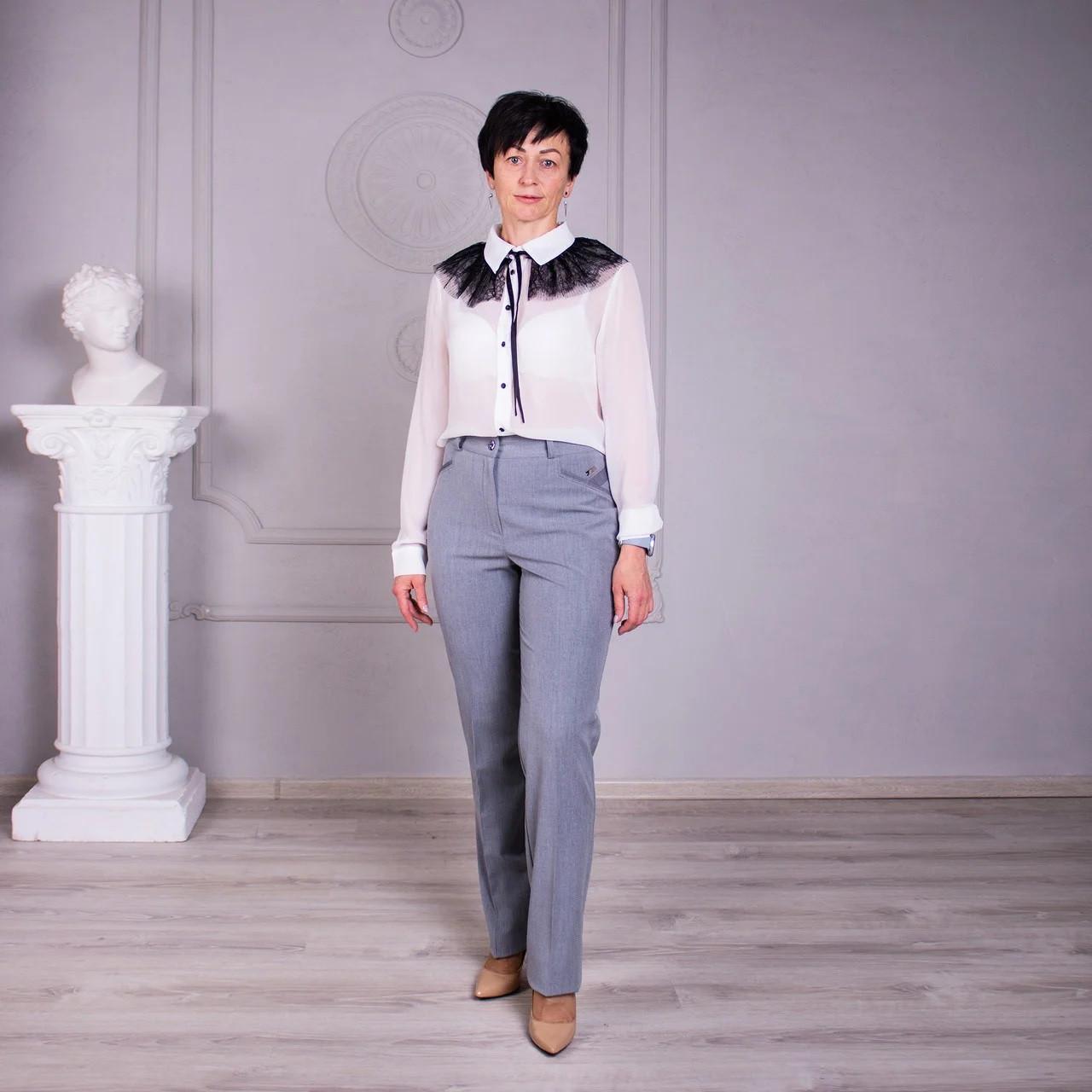 Прямі літні штани сірі