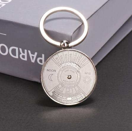 Брелок вечный календарь, для кемпинга! Брелок металлический для ключей, с вечным календарем!