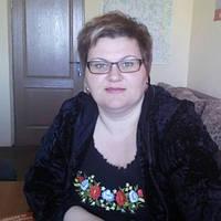 Надежная и любимая клинтка Ирина из г. Козелец в футболке-вышиванке
