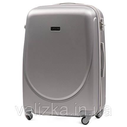 Большой пластиковый чемодан с фурнитурой в цвет серебристый, фото 2
