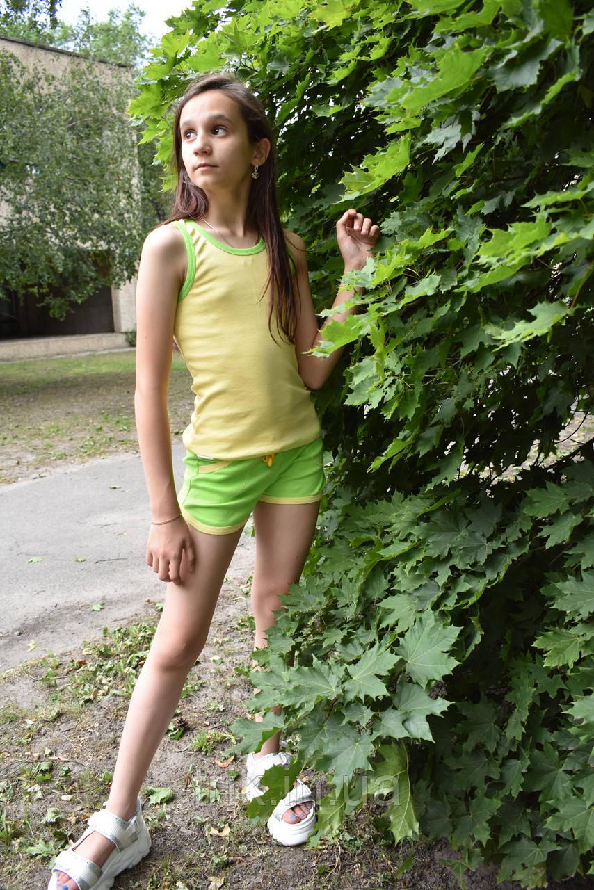 Комплект детский желтая майка зеленые шорты