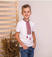 Трикотажная белая футболкас коротким рукавом сшита из качественного турецкого трикотажа