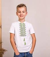 Белая футболкас коротким рукавом сшита из качественного турецкого трикотажа с яркой вышивкой