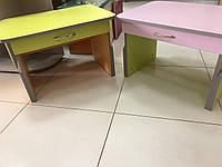 Дитячий столик з шухлядою в асортименті регулюється по висоті