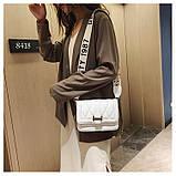 Модная маленькая женская сумка. Сумка женская стильная с текстильным ремешком. Сумочка из экокожи летняя Белая, фото 7