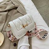 Модная маленькая женская сумка. Сумка женская стильная с текстильным ремешком. Сумочка из экокожи летняя Белая, фото 3