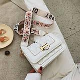 Модная маленькая женская сумка. Сумка женская стильная с текстильным ремешком. Сумочка из экокожи летняя Белая, фото 4