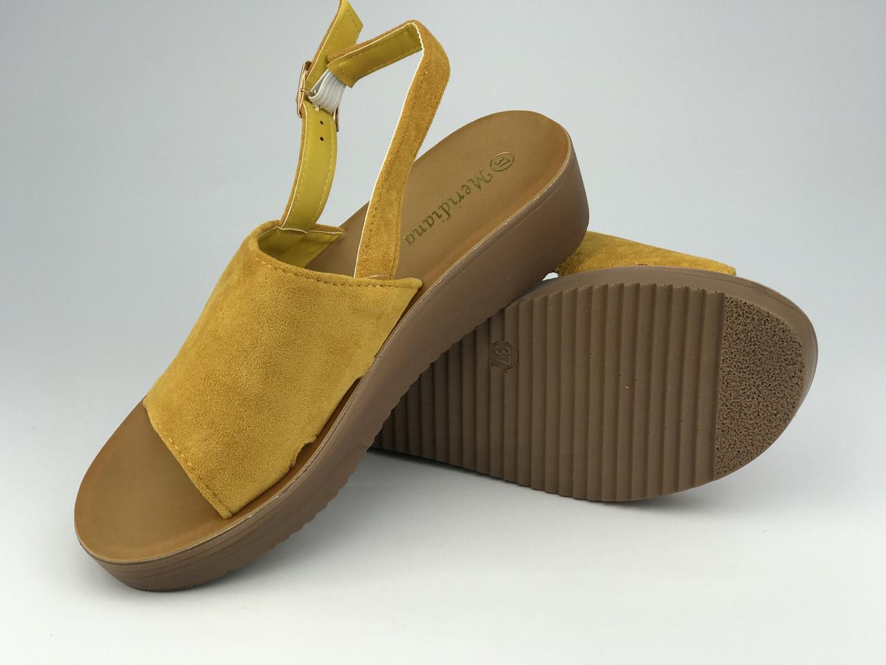 Босоніжки жіночі стильні жовті Meridiana
