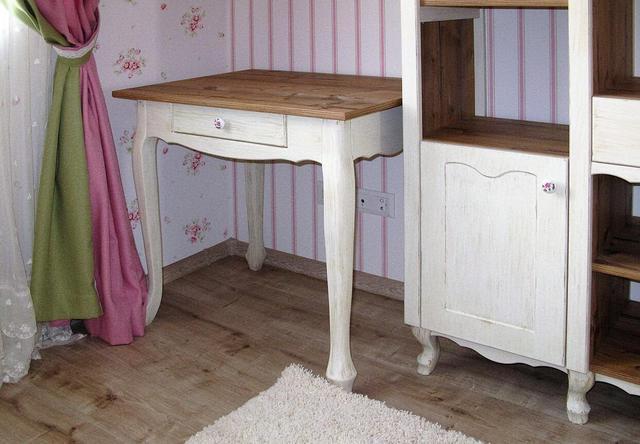 Деревянные ножки на шкаф прованс