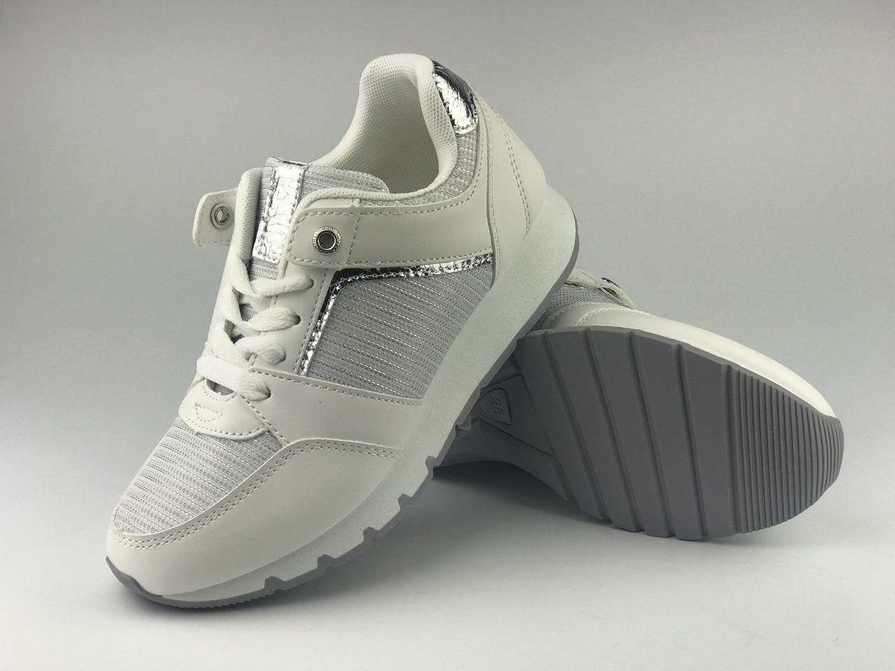 Кросівки жіночі білі LaVento