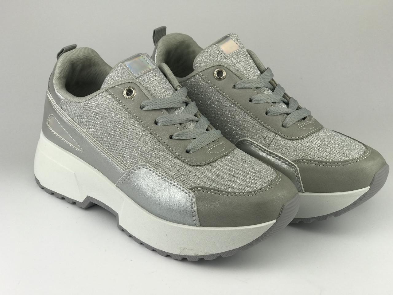 Кросівки жіночі срібні LaVento