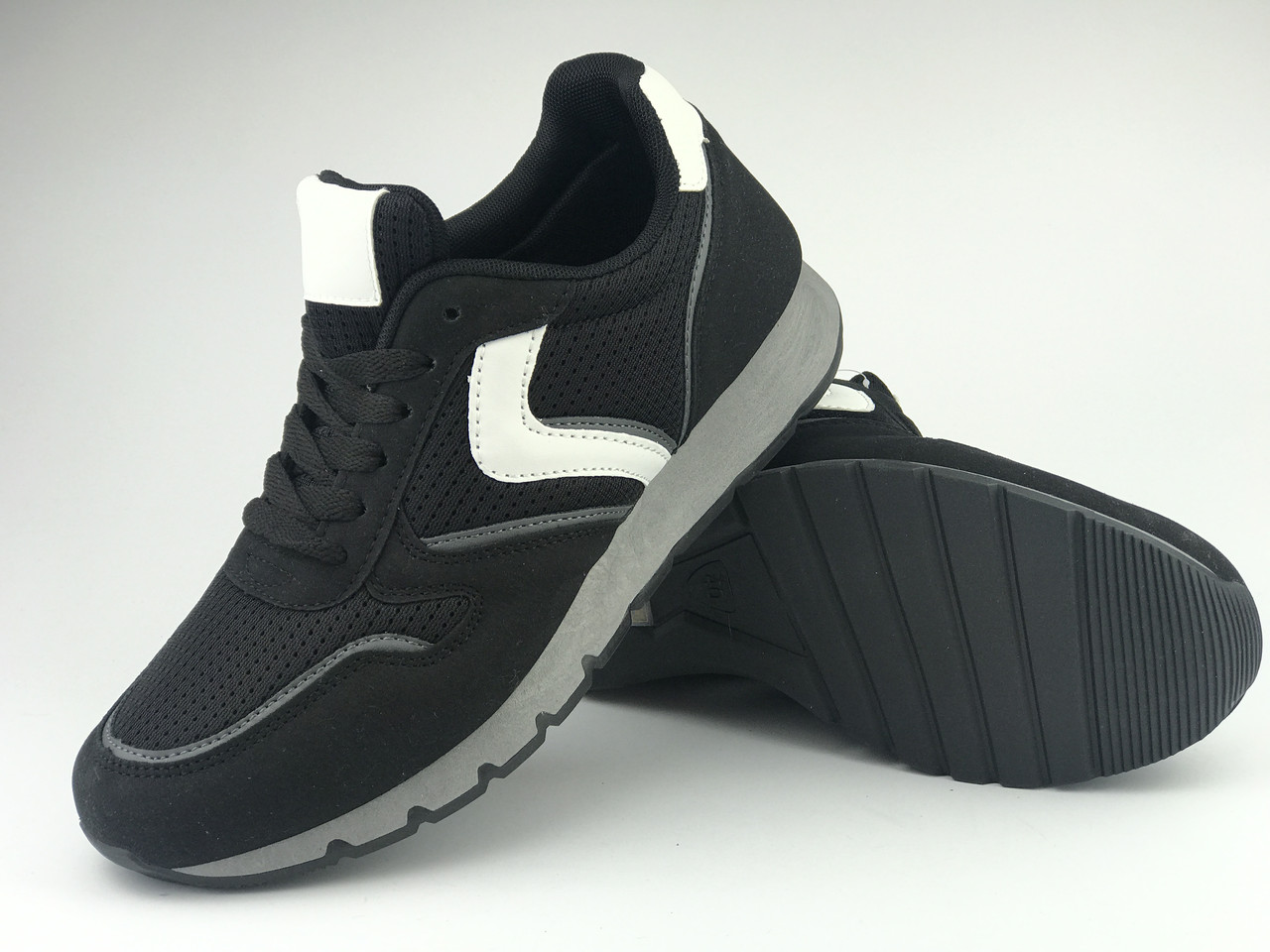 Кросівки чоловічі чорні LaVento