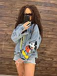 Жіноча джинсова куртка оверсайз з малюнком Міккі на спині vN8713, фото 3
