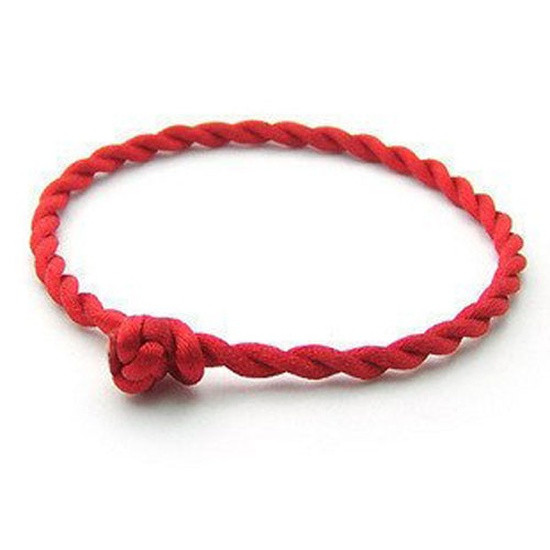 Браслет красная нить с узелком (веревочка шнурок оберег на запястье)