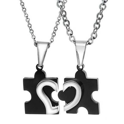 Парные кулоны пазлы для двоих влюбленных черные медицинская сталь половинки сердца, фото 2