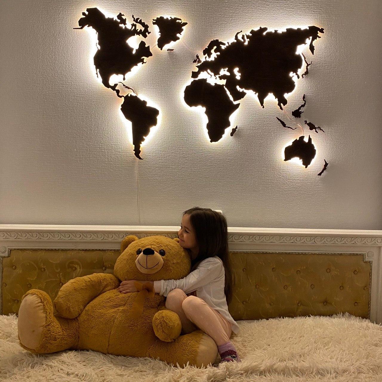 Деревянная карта Мира с LED подсветкой 100х60 см