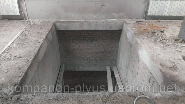 Проемы в бетонных стенах
