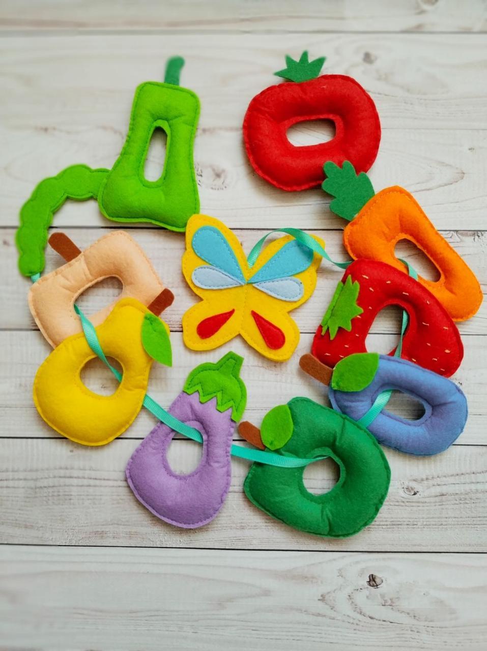 Игра шнуровка для детей ручной работы Голодная гусеница