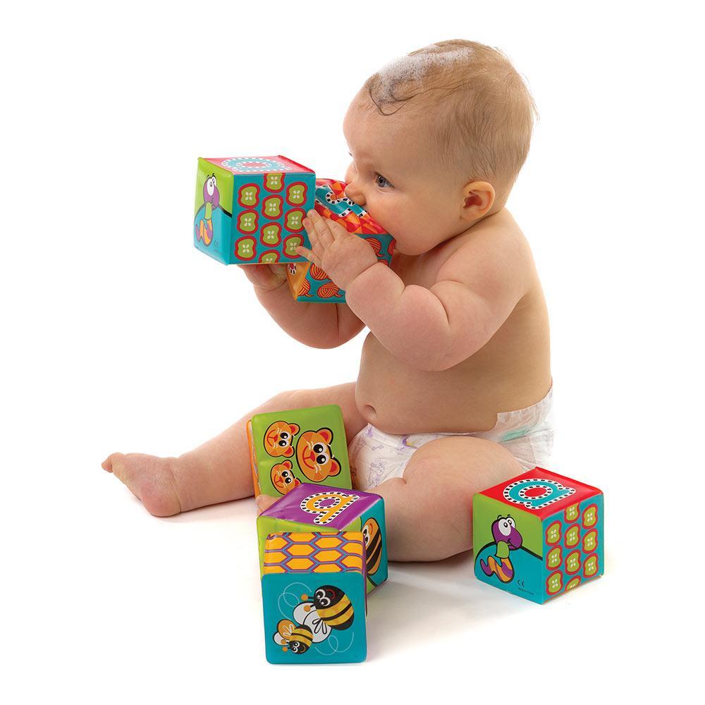 Кубик для воды Playgro Алфавит (0183838)