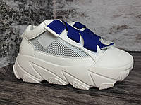 Літні жіночі кросівки