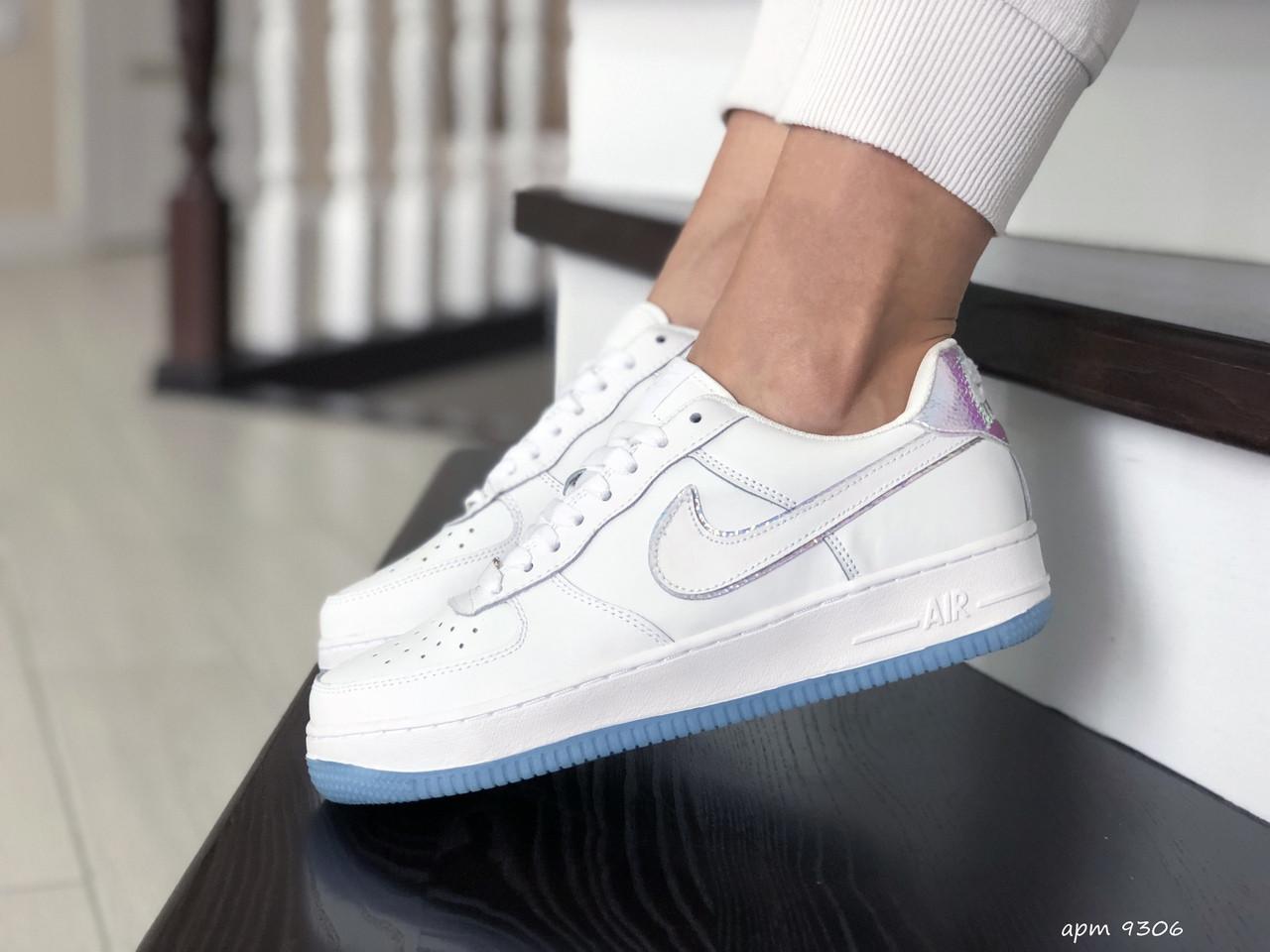 Подростковые (женские) кроссовки Nike Air Force,белые