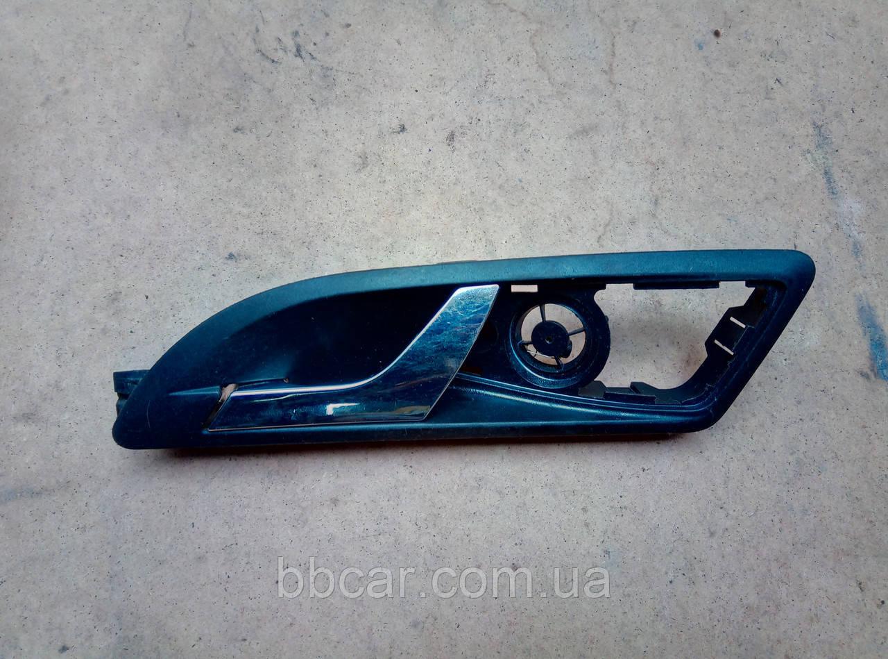Дверна ручка ( передня ліва ) Skoda Octavia A5 2004-2013 р. 1Z0 837 247