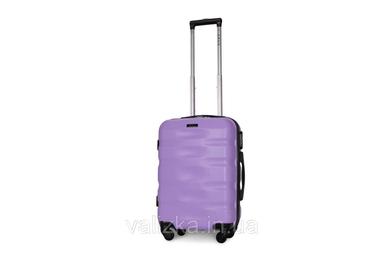 Пластиковый чемодан для ручной клади сиреневый Fly 960