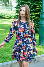 Платье летнее мини свободный стиль материал софт размер универсальный акварельные цветы на темно-синем, фото 3