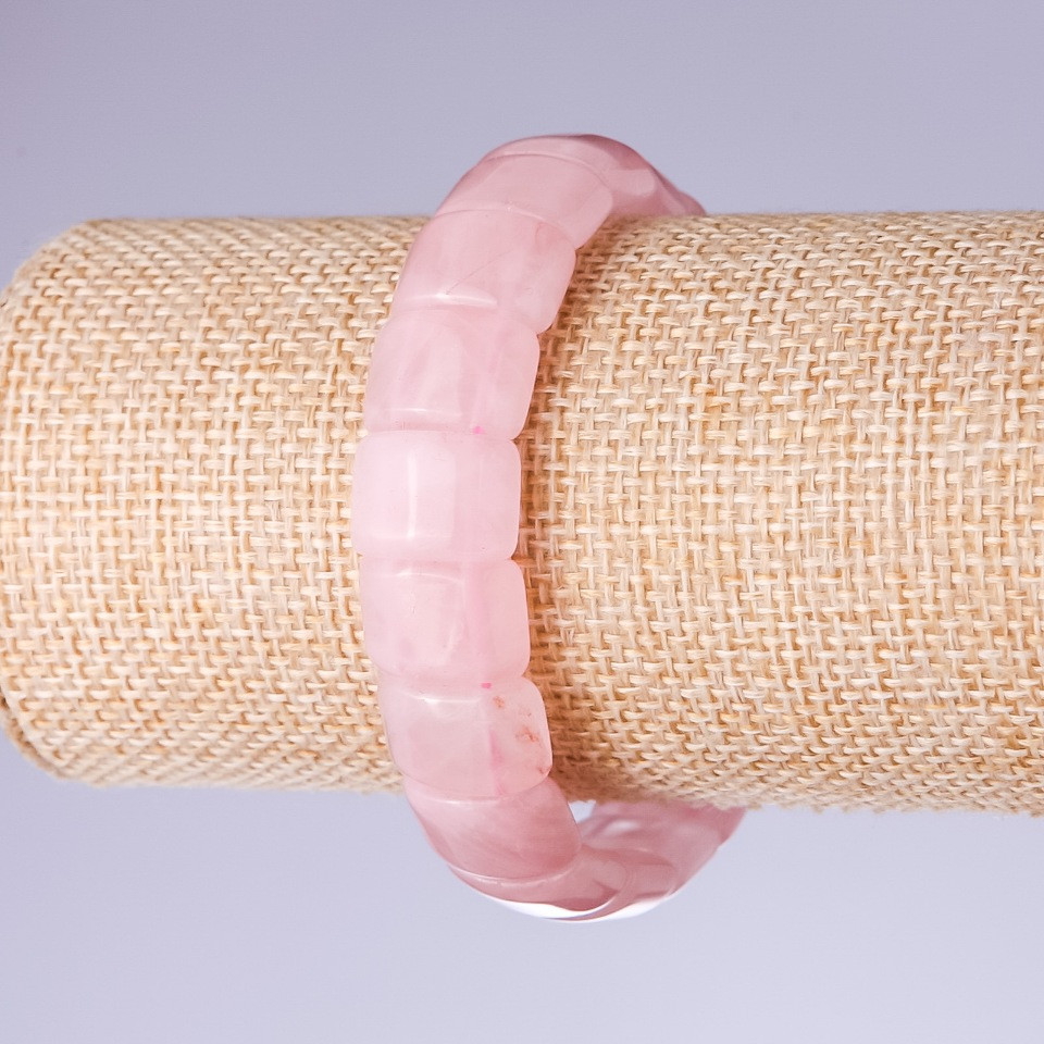 Браслет Розовый кварц звено 15х11мм на резинке