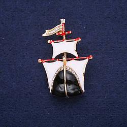 Брошь Корабль эмаль цвет белый черный 30х44мм желтый металл