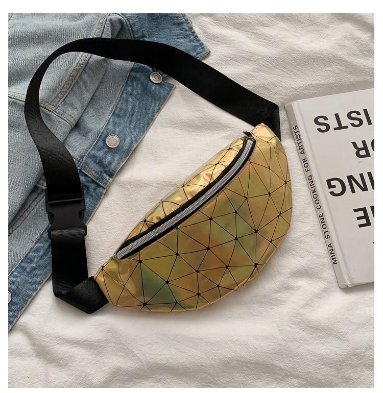 Женская бананка голографическая блестящая поясная детская сумочка золотая желтая