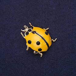 Брошь Божья коровка стразы эмаль цвет черный желтый 28х27мм желтый металл