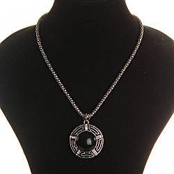 [25х25мм] Кулон на цепочке Агат крупный темно серый металл со стразами круглая оправа полосатая